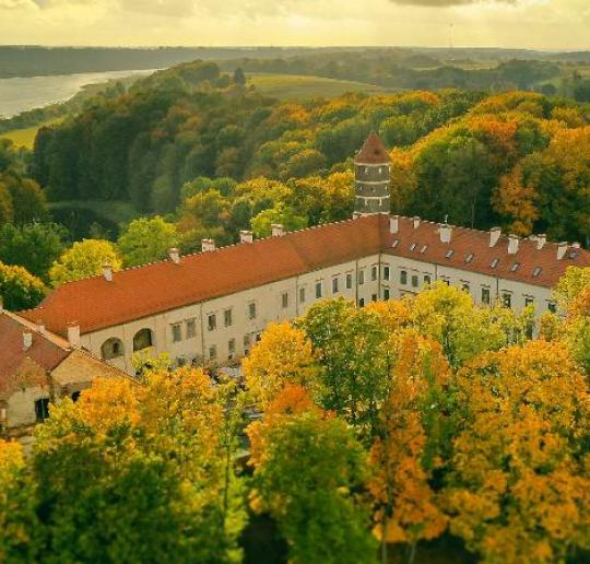 The heritage of Lithuanian manor parks for unforgettable autumn walks