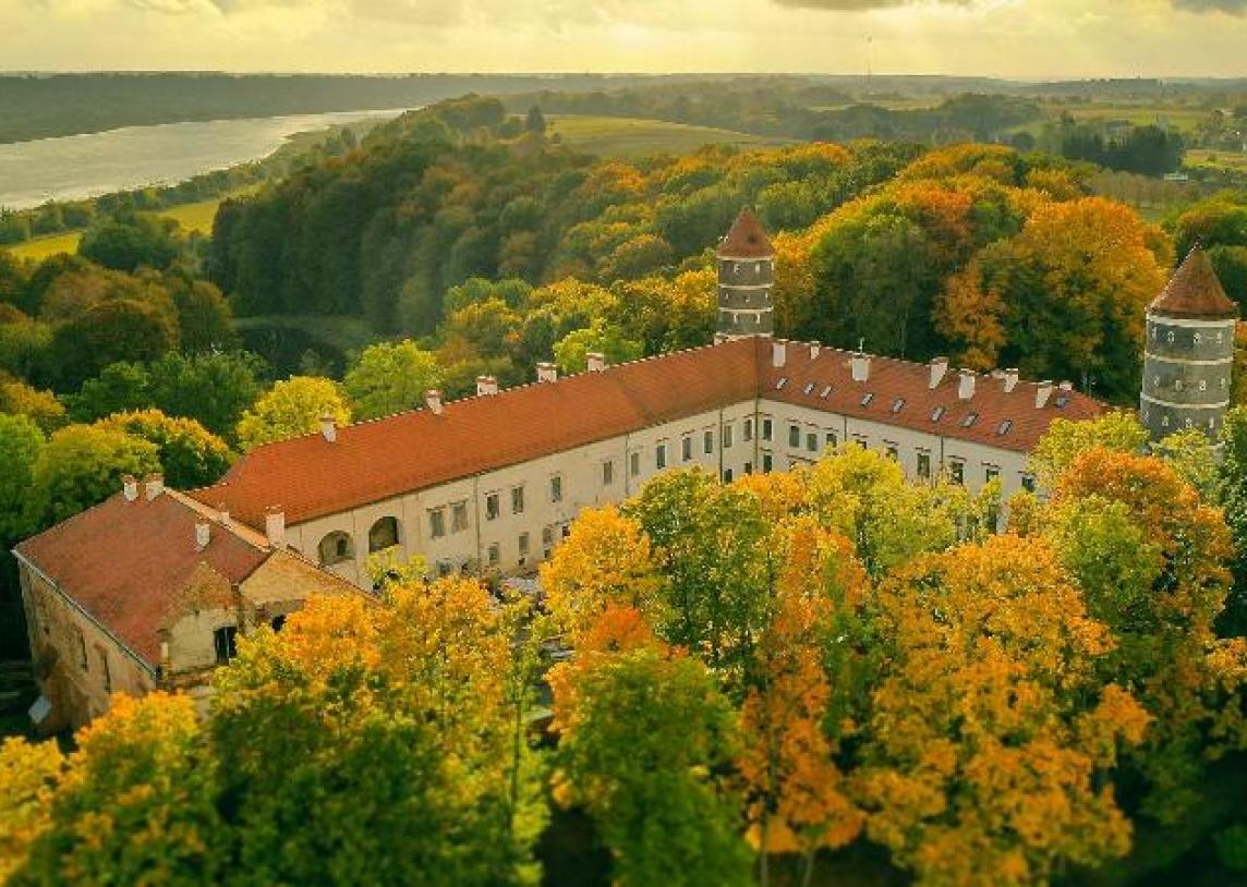 Lietuvos dvarų parkų paveldas – nepamirštamiems rudens pasivaikščiojimams